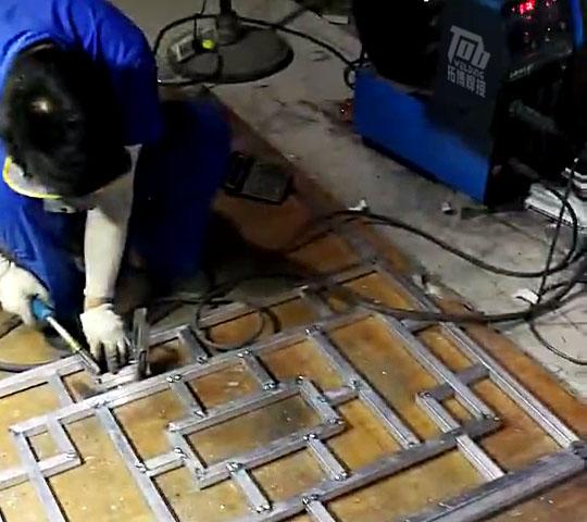 铝窗花焊接用什么铝焊机好