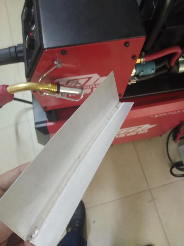 铝焊机焊缝成形